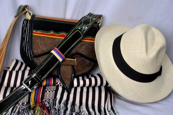 Carriel Color Tipo Nutria, Poncho y Sombrero Original