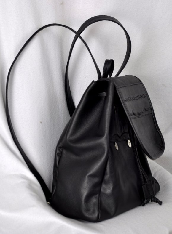 Morral 100% Cuero Color Negro Hipo