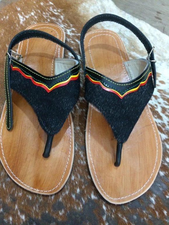 Sandalias Tres Puntadas Negra y Correa