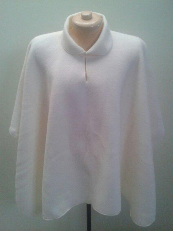 Ruana Dama Cuello Blanca
