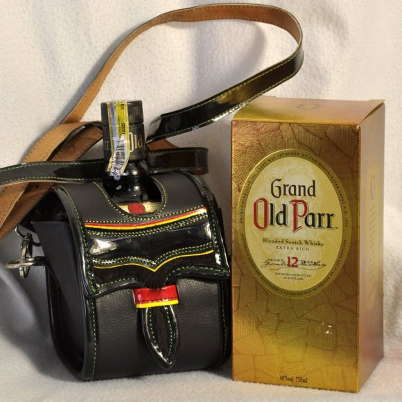 Estuche Old Parr 750 ml Negro
