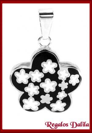 Dije de Acero Esmalte Flor Negra